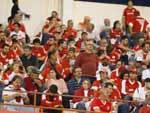 Torcida acompanha a partida entre Inter e Náutico no Estádio Beira-Rio