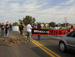 Protestos por reajuste salarial também aconteceram em Santa Maria, em frente ao Instituto Federal Farroupilha