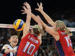 Estados Unidos venceu a Coreia do Sul por 3 a 0 e está na final do vôlei feminino