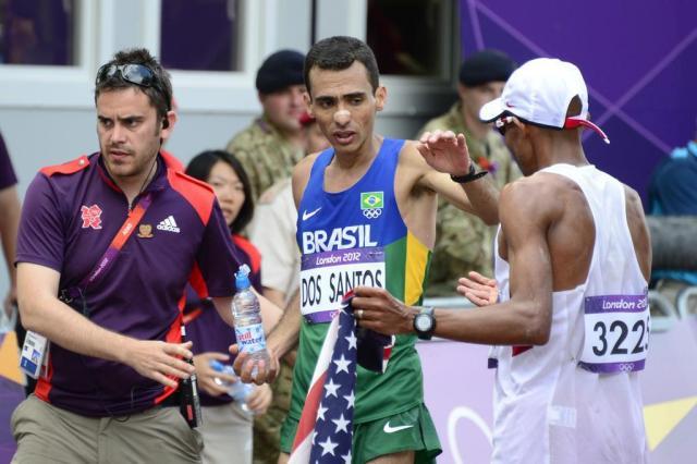Marílson dos Santos chega em quinto na maratona Daniel Garcia/AFP