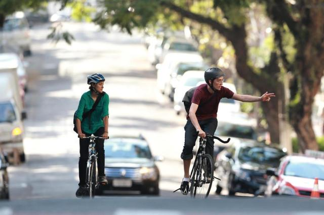 ZH testa trabalho de voluntários que ajudam ciclistas a pedalar com segurança Diego Vara/Agencia RBS