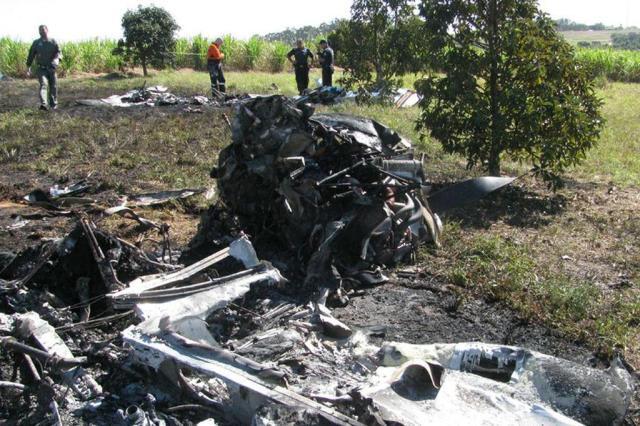 Monomotores colidem no ar e quatro pessoas morrem em SP GRUPAMENTO AÉREO DA POLÍCIA MILITAR/DIVULGAÇÃO/AE