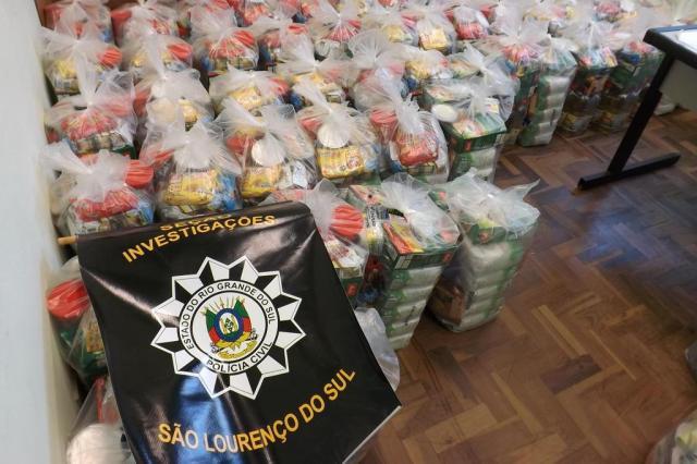 Polícia e MP investigam apreensão de cestas básicas que seriam usadas para compra de votos em São Lourenço do Sul  Polícia Civil/Divulgação