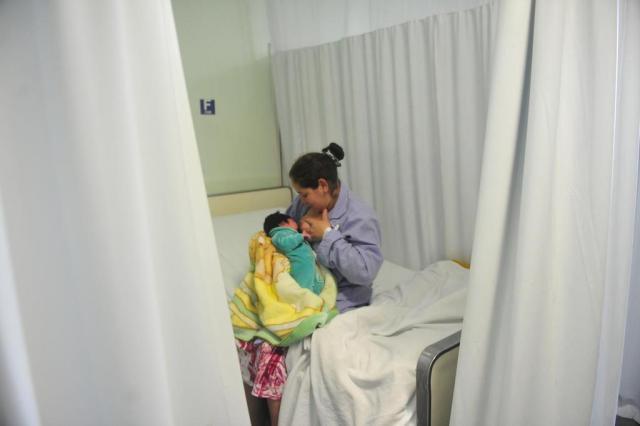 A amamentação é benéfica para a mãe e para o bebê Tadeu Vilani/Agencia RBS