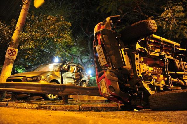 Colisão entre caminhonetes deixa dois feridos na Capital Tadeu Vilani/Agencia RBS