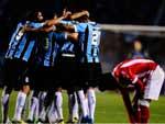 Jogadores comemoraram o gol que deu a vantagem ao Grêmio