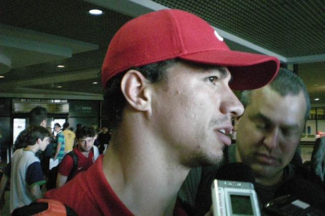 No desembarque do Inter, Damião pede foco para buscar vaga na Libertadores André Baibich/