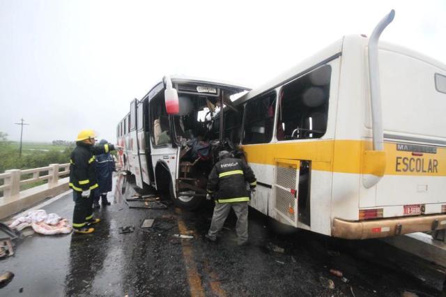 Acidente com ônibus deixa dois mortos e dez feridos em Santana do Livramento Daniel Badra/Especial