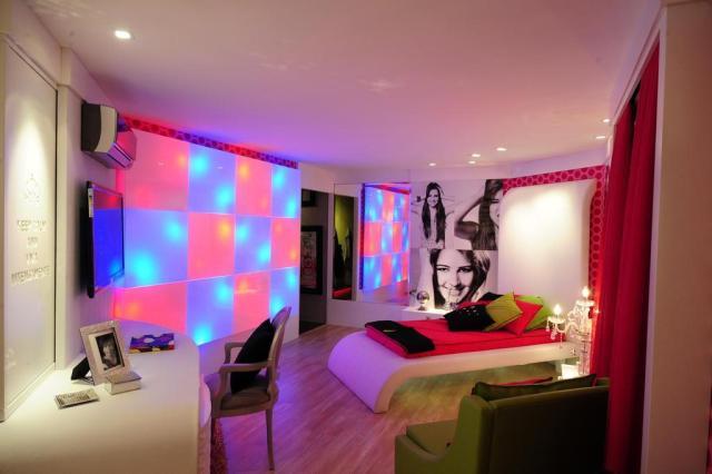 Dormitório da adolescente cria ambiente para uma menina roqueira e ...