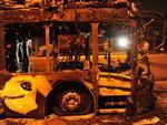 Na noite do dia 8, um ônibus biarticulado da Viação Cidade Dutra foi incendiado por um grupo de pessoas