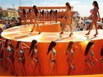1983 | O concurso Garota Verão começa no Rio Grande do Sul. A primeira vencedora foi Marisa Brandão. O concurso segue sendo realizado anualmente no Litoral Norte gaúcho e, também, em Santa Catarina. Na foto abaixo, o concurso em 2010