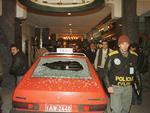 1994 | Cobertura com flashes ao vivo da maior rebelião do Estado, a fuga de Dilonei Melara. Durante a perseguição, bandidos invadiram o Plaza São Rafael com o táxi dirigido por um refém. Dezenas de profissionais da imprensa acompanharam a negociação