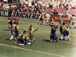 1994 | A emissora envia para os EUA repórteres e comentaristas para complementar a cobertura de Copa do Mundo da Rede Globo, com visão local exclusiva para o RS
