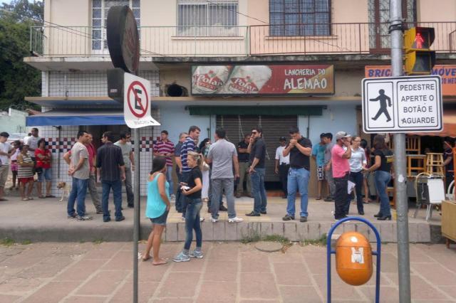 Mãe e filho policial são mortos a tiros em Porto Alegre Lívia Stumpf/Diario Gaucho