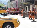 Local permanece isolado para trabalho dos bombeiros