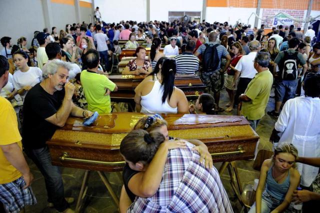 Governo do Estado divulga lista com nomes de 231 mortos em tragédia em Santa Maria Adriana Franciosi/Agencia RBS