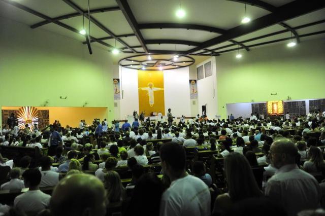 Missa reúne cerca de 4 mil pessoas na Basílica da Medianeira em Santa Maria Ronald Mendes/Agencia RBS