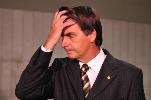 """Bolsonaro diz que não teme processos e faz nova ofensa: """"Não merece ser estuprada porque é muito feia"""" Renato Araújo/ABr/ABR"""