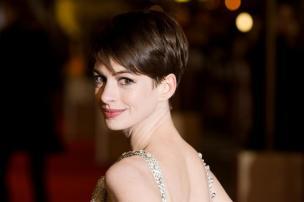 Anne Hathaway é cotada para estrelar filme sobre a Barbie Leon Neal/AFP