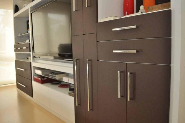 Revestimento autocolante: resistência e acabamento nas paredes ou nos móveis Leroy Merlin/Divulgação