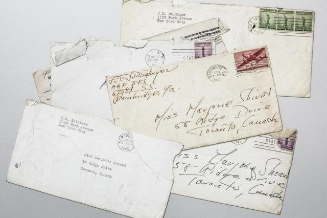 Cartas revelam um lado mais bem-humorado do jovem J.D. Salinger Sasha Maslov/The New York Times