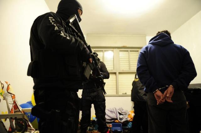 Polícia prende 26 suspeitos de integrarem quadrilha responsável por roubar 150 veículos em seis meses Ronaldo Bernardi/Agencia RBS
