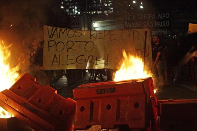 Inspirados em Porto Alegre, protestos em série contra reajustes na tarifa de ônibus se espalham pelo país Gabriela Biló/Futura Press