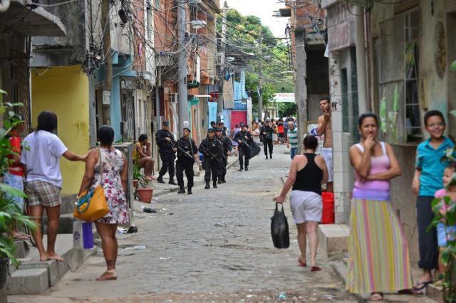"""""""A classe média descobriu a brutalidade policial, que os pobres e negros nunca ignoraram"""" Yuri Cortez/AFP"""