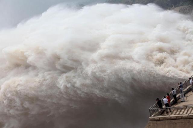 ONU alerta para esgotamento de recursos com maior demanda por água e energia AFP/
