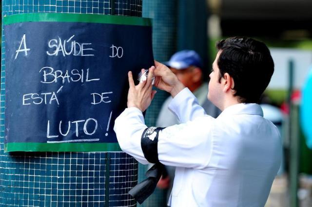 Mobilização une entidades médicas e serviços param Fernando Gomes/Agencia RBS
