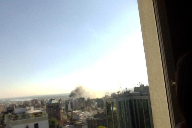 Incêndio atinge fábrica de pranchas de surfe em Porto Alegre  Pedro Jansen /Arquivo Pessoal