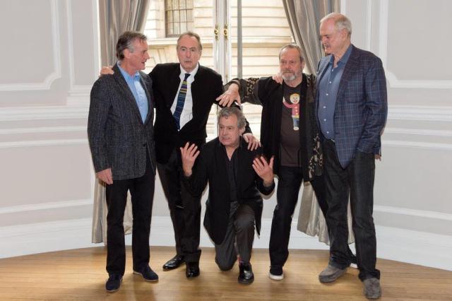 Monty Python anuncia último show e lança nova música LEON NEAL/AFP