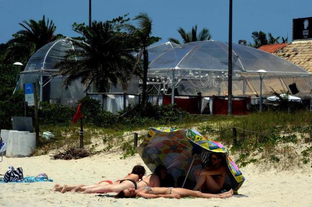 Termina sem acordo audiência de conciliação sobre funcionamento de clubes de praia em Jurerê Internacional  Guto Kuerten/Agencia RBS