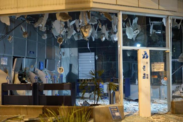 Polícia Civil prende trio que explodiu caixas eletrônicos na Capital Tadeu Vilani/Agencia RBS