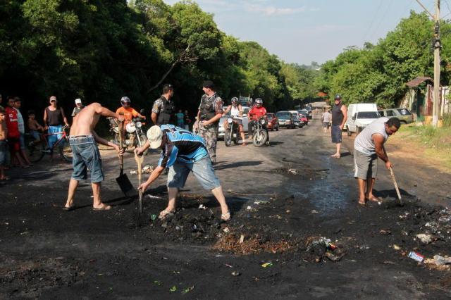 Falta de água atinge Porto Alegre e pelo menos mais 11 municípios gaúchos Guilherme Santos/Agencia RBS