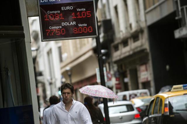 Crise na Argentina pode tirar até US$ 2 bilhões do saldo da balança comercial brasileira LEO LA VALLE/AFP