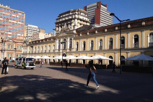 Comerciantes do centro de Porto Alegre acreditam que movimento caiu 70% com a greve dos rodoviários Roberto Azambuja/Agência RBS