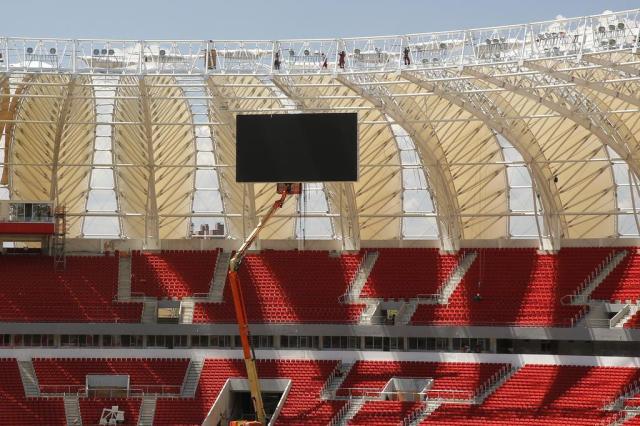 FOTO: instalação do primeiro placar do Beira-Rio é concluída Omar Freitas/Agencia RBS