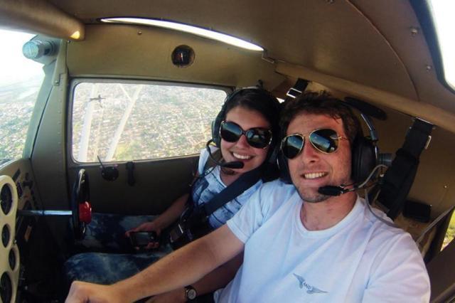 Catarinense que pediu noiva em casamento em avião morre em acidente aéreo 43 dias depois  Arquivo Pessoal/Arquivo Pessoal
