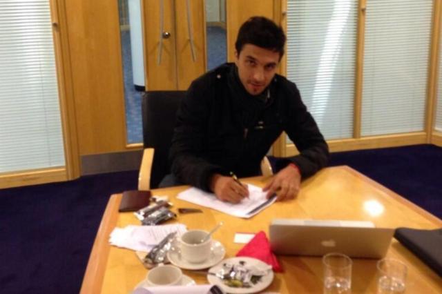 Scocco finaliza negociação com o Sunderland e deixa o Inter para jogar na Inglaterra Twitter,nachoscocco32/Reprodução