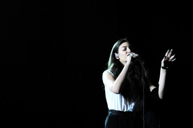 Conheça Lorde, a neozeolandeza de 17 anos que o Grammy consagrou Kevork Djansezian/GETTY IMAGES / AFP