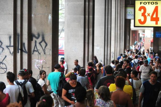 Transporte alternativo: conheça as rotas das vans em Porto Alegre Carlos Macedo/Agencia RBS