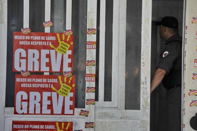 Greve dos servidores dos Correios segue por tempo indeterminado Lauro Alves/Agencia RBS