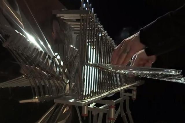 Morre o escultor sonoro francês François Baschet YouTube/Reprodução