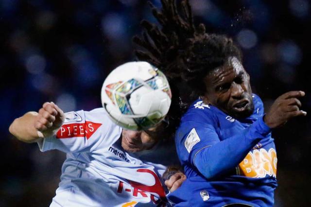 Conmebol pune Real Garcilaso com multa de US$ 12 mil por racismo contra Tinga CRIS BOURONCLE / AFP/