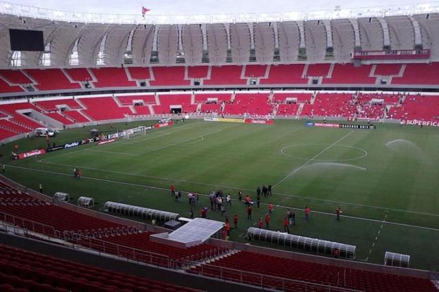 """Valcke diz que Beira-Rio está """"mais ou menos pronto"""" e que há muito trabalho a fazer em Porto Alegre Maurício Reolon/agencia RBS"""