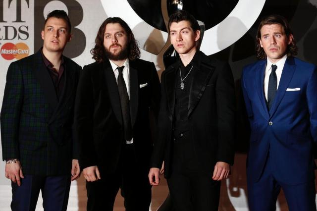 Pela terceira vez, Arctic Monkeys é grupo do ano no Brit Awards ANDREW COWIE/AFP