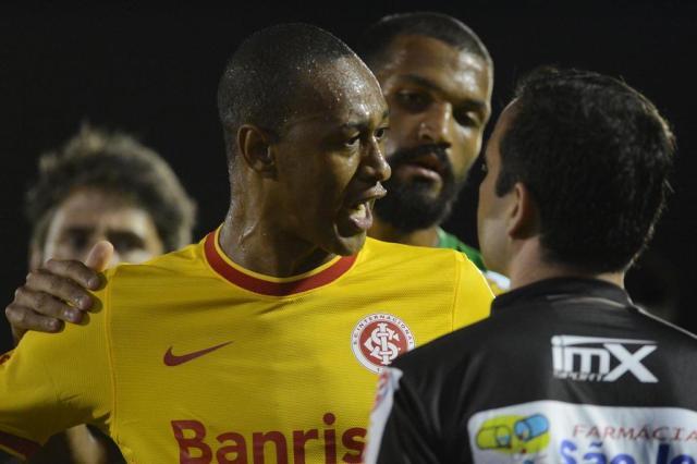 """Fabrício admite erro em expulsão contra o Juventude: """"Fui deselegante"""" EDU ANDRADE/FATOPRESS/ESTADÃO CONTEÚDO"""