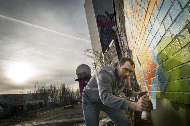 Artistas encontram refúgio em antiga base da NSA em Berlim Gordon Welters/NYTNS