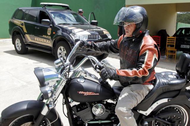 """Roberto Jefferson anda de moto em """"momentos finais de liberdade"""" MARCOS DE PAULA/ESTADÃO CONTEÚDO"""